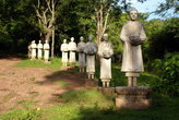 Каменная процессия монахов