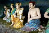 Статуи в пещере