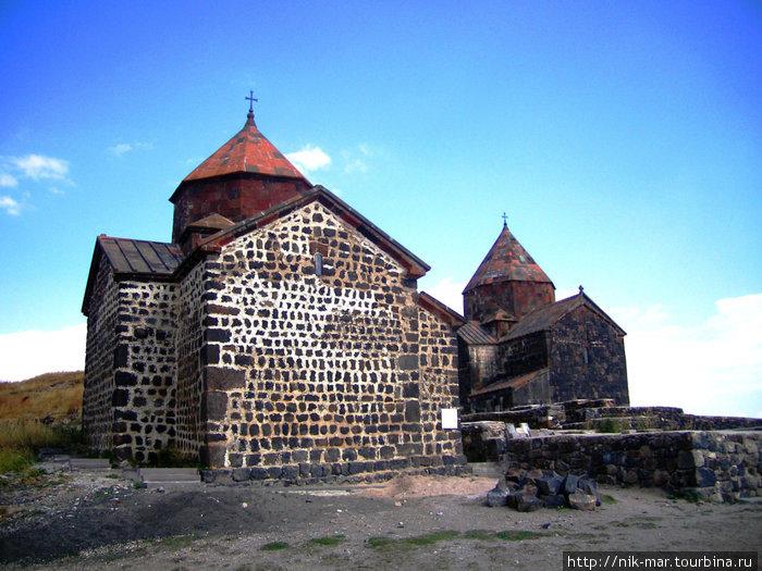 Памятники древней Армении. Севанский монастырь.