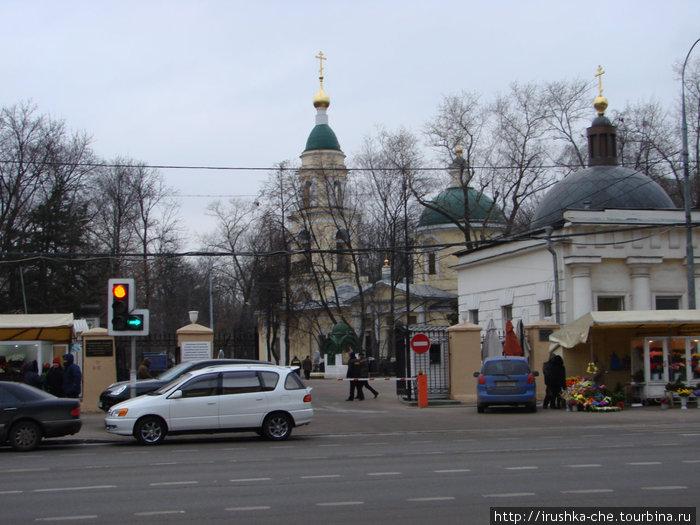 Вход на Ваганьковское кладбище