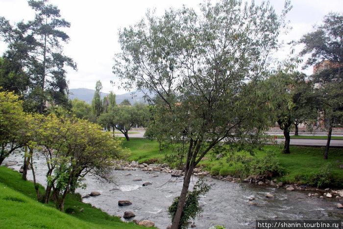 Река в городском парке Куэнки