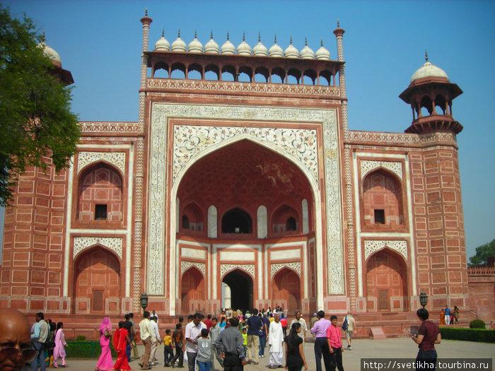 Входные ворота в Татж Махал