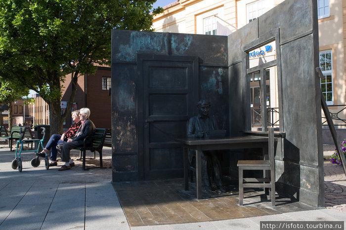 памятник Астрид Лингрен