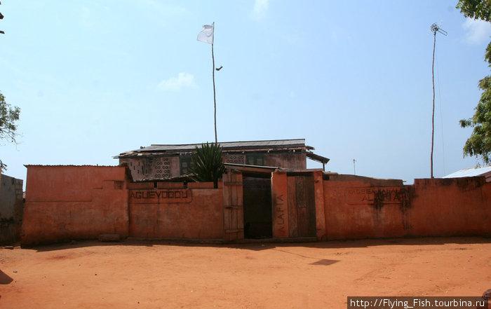 Мужской храм Вуду в Того