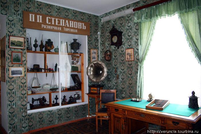 В этом зале рассказывается о знаменитых купцах Ардатова.
