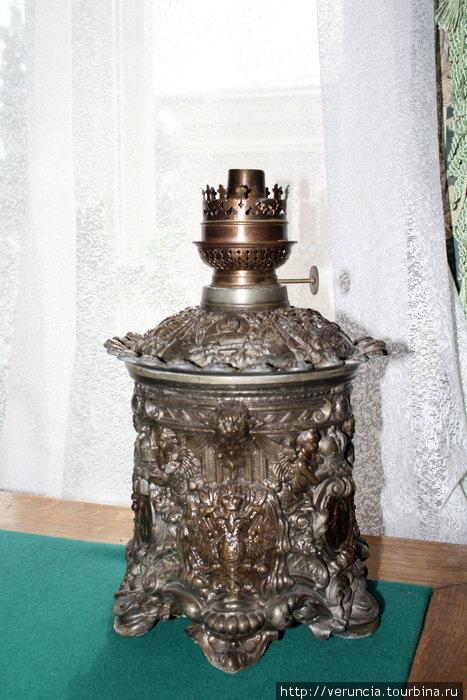 Настольная лампа конца 19 века.