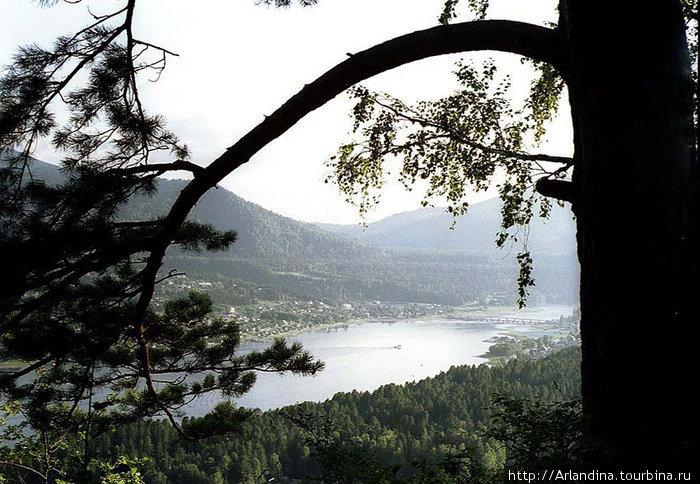Телецкое озеро. Вид на Иогач со стороны Артибша.