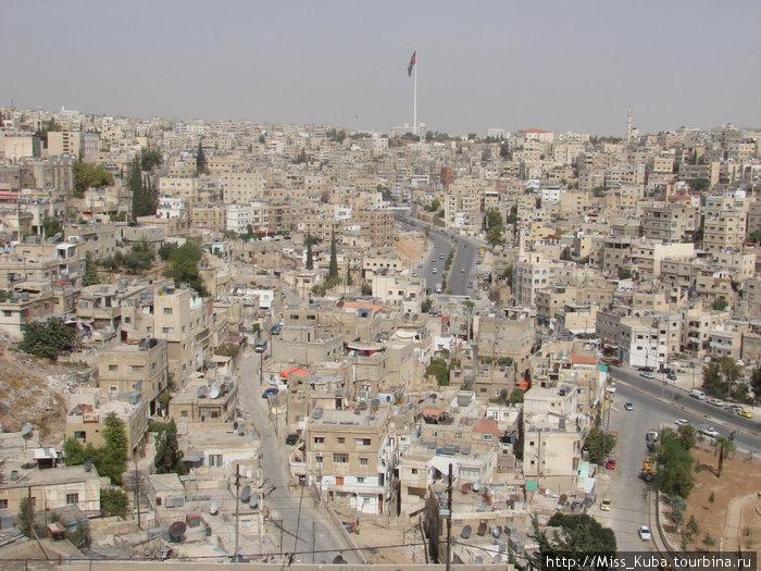 Самый большой флаг Иордании