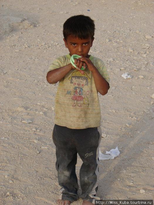 Сирийский мальчик. Хотелось забрать с собой