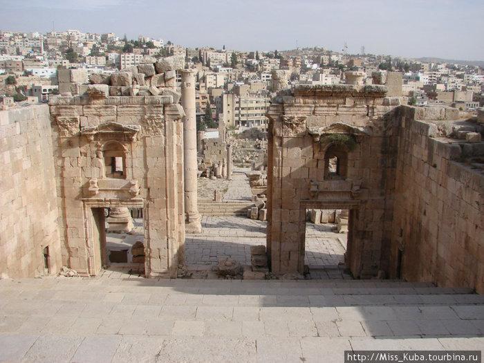 Новый Джераш и римская Гераса