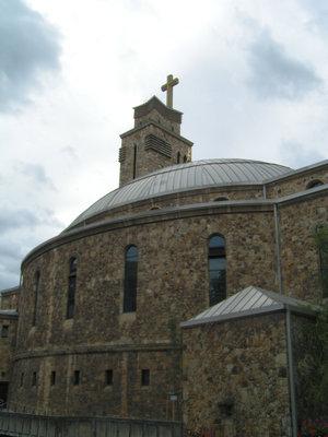Храм оригинальной конструкции
