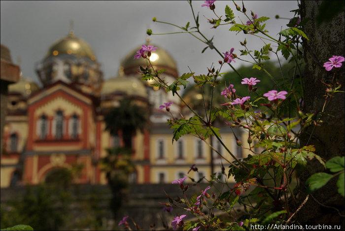 Новоафонский Симоно-Кананитский мужской монастырь