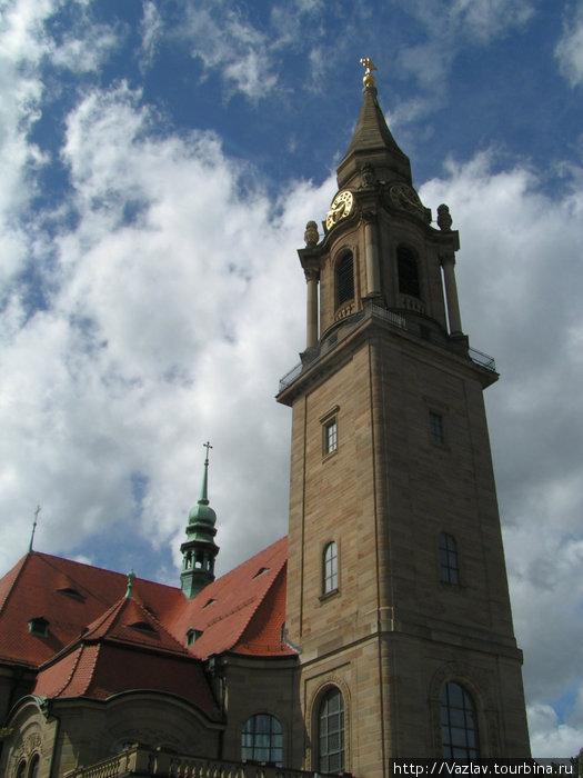 Церковь и её колокольня
