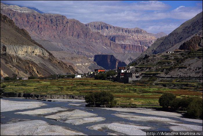 Октябрь 2009. Высота 2810. Массив Аннапурны, Долина реки Кали Гандаки. Кагбени.