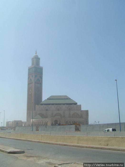 Вид на мечеть с набережной