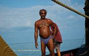 В такую жару под палящим солнцем спасает лишь свежий морской ветерок.