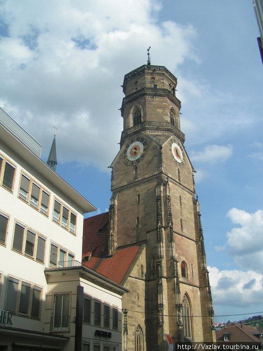 Южная башня церкви
