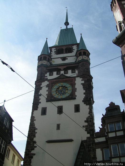 Башня ворот