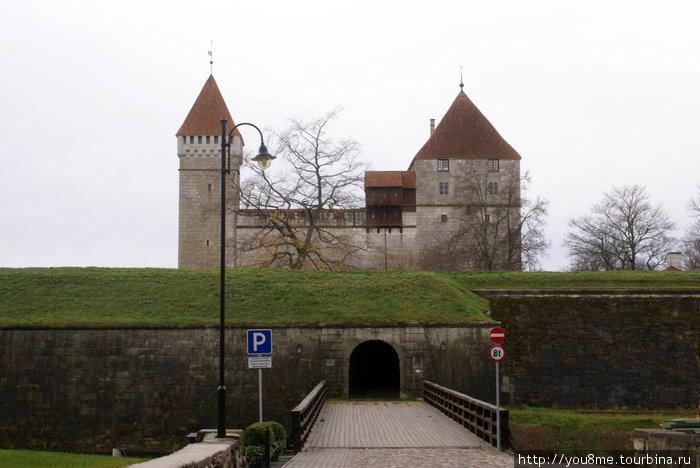 Картинки по запросу замок курессааре