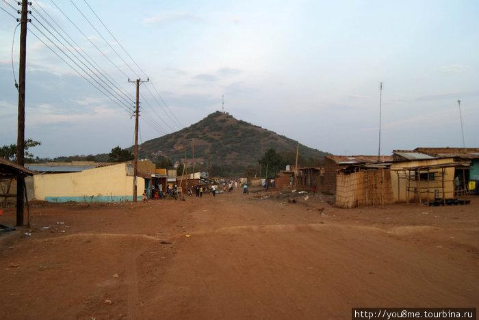 Порт Виктория — отсюда лодки плывут в Уганду