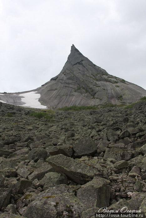 Хребет Ергаки (Западный Саян).Гора  Парабола (Два Брата). Фото Вадима Осадчего.
