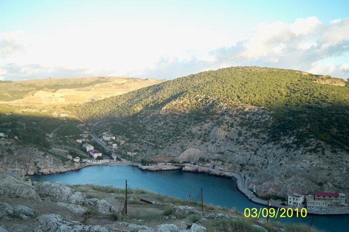 Балаклавская бухта с высоты третьего уровня крепости Чембало