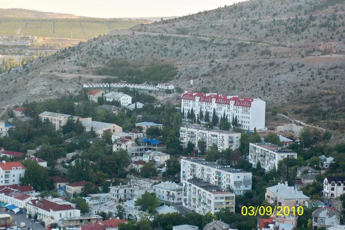 Вид на Балаклаву со второго уровня крепости