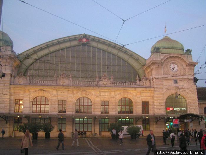 Центральный корпус вокзала