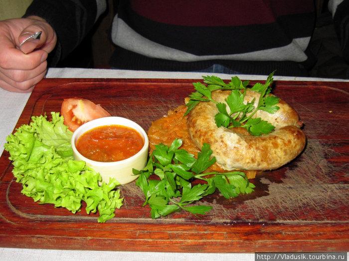 Домашняя колбаска с капустой