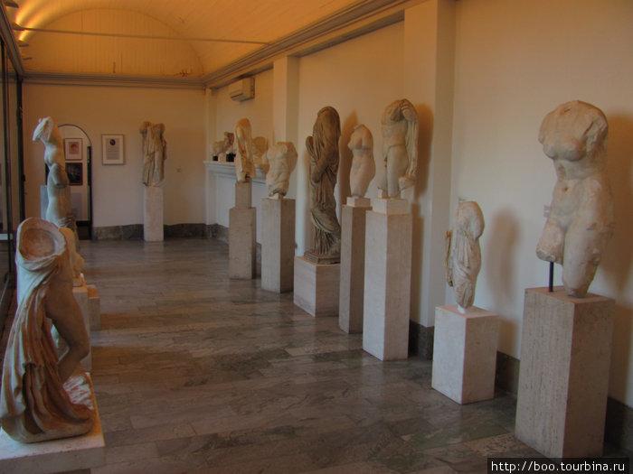 Карл Миллес коллекционировал античные статуи. Как говорила его жена Ольга