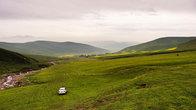 Нашему водителю удалось подъехать к началу горной тропы.