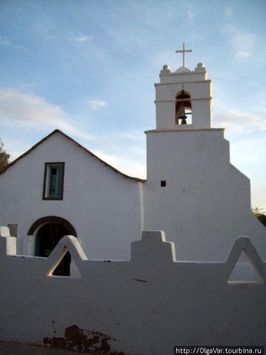 Одна из старейших церквей в Чили — Церковь Сан-Педро
