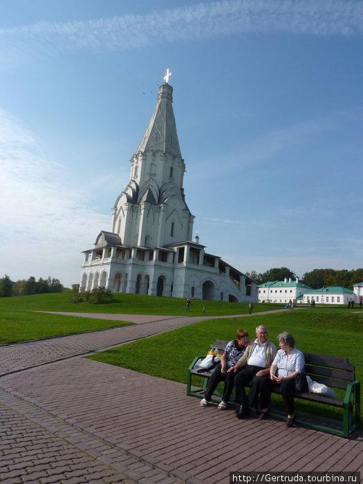 Вид на тот же храм с другой стороны