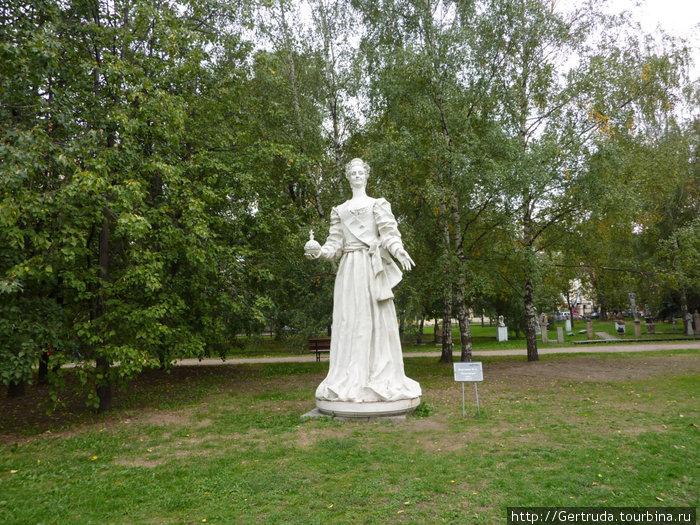 Памятник Екатериве Великой.