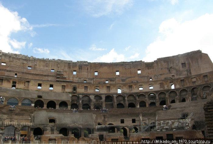 Колизей, общий вид изнутри