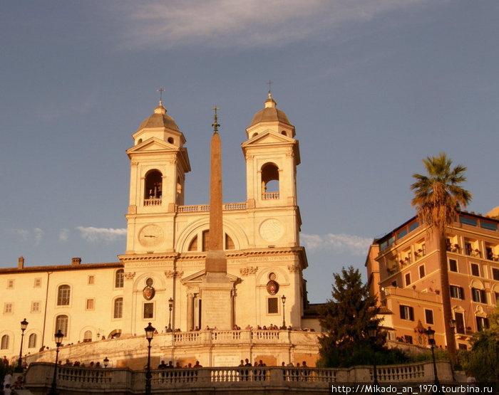 Церковь на пьяца Испании