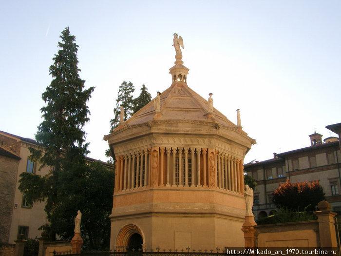 Мини-церковь в Бергамо