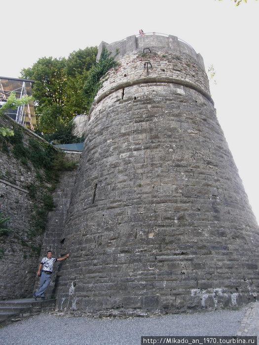 Башня верхней крепости