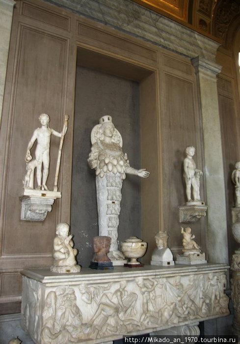 Античная статуя плодородия