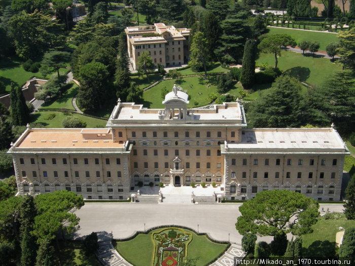 Административные здания Ватикана, вид сверху