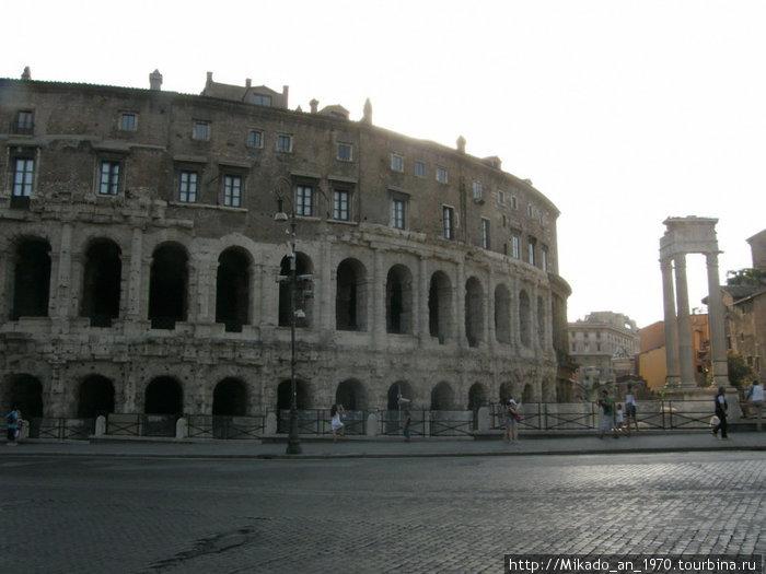 Похоже на колизей — но не Колизей