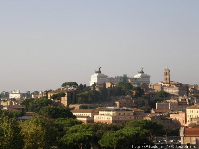 Вид на Рим и алтарь Отечества