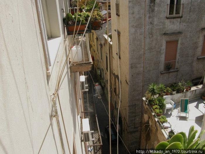 Вид из балкончика в Неаполе