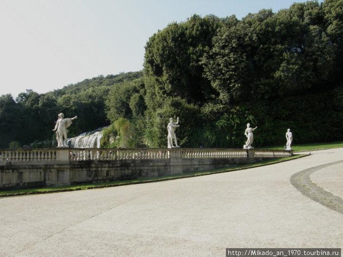 При выходе из английского парка дворца Казерта