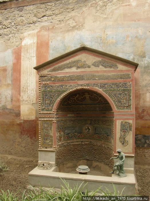 Еще один мозаичный фонтан