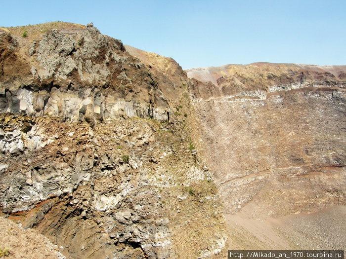 Боковая стена кратера