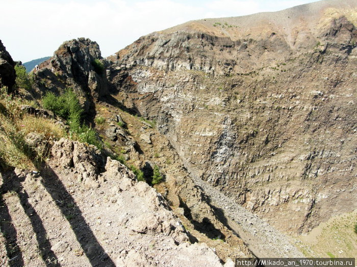 С другого края кратера