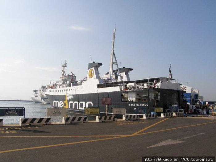Корабль одного из перевозчиков