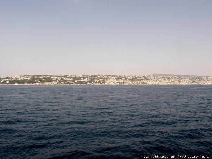 Часть Неаполя, вид с моря