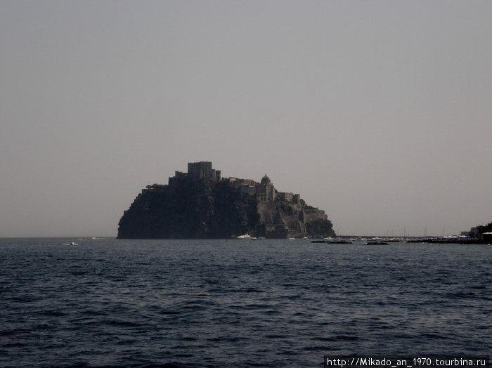 Арагонский замок на горизонте